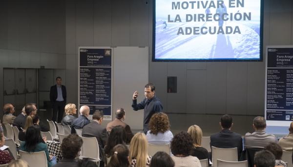 Sergio Bernués de MARKETING de PYMEs en el Foro ARAGÓN EMPRESA 2015